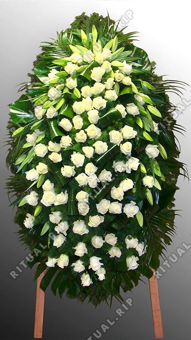 Венок из живых цветов №43