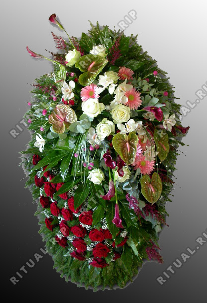 Венок из живых цветов №15