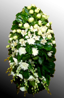 Венок из живых цветов №26