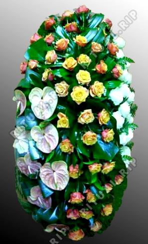 Венок из живых цветов №30