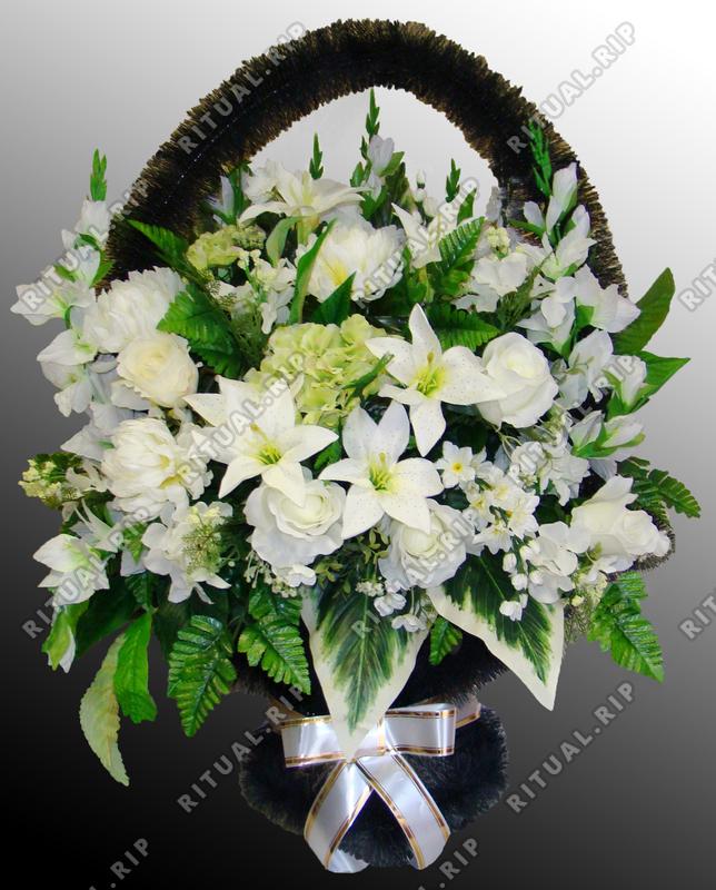 Ритуальная корзина из искусственных цветов №9