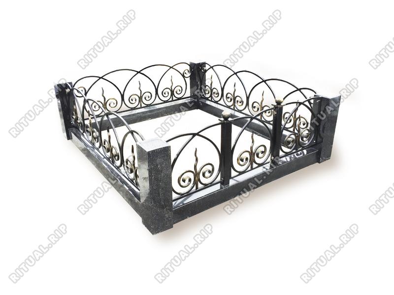 Гранитная ограда Кармен 1.8*2.0 м.