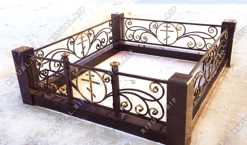 Гранитная ограда Крипта 1.8*2.0 м.