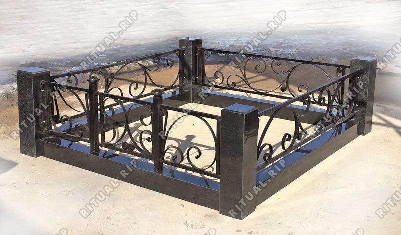 Гранитная ограда Лиана 1.8*2.0 м.