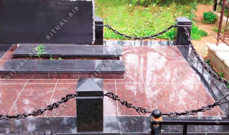 Гранитная ограда Цепи 1.8*2.0 м.