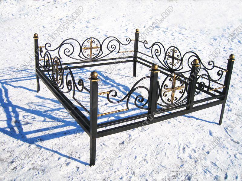 Кованая ограда на могилу Грот