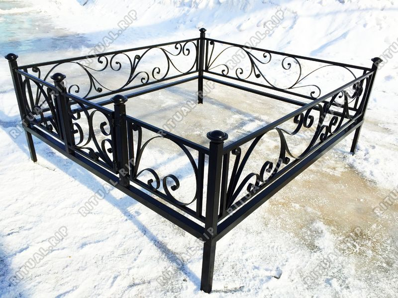 Кованая ограда на могилу Лиана