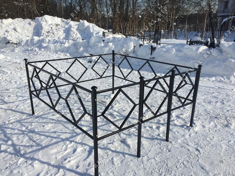Кованая ограда на могилу Ромб