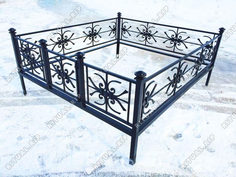 Кованая ограда на могилу Снежинка