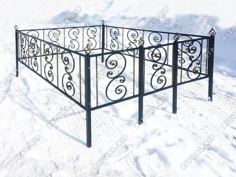 Кованая ограда на могилу Вензель